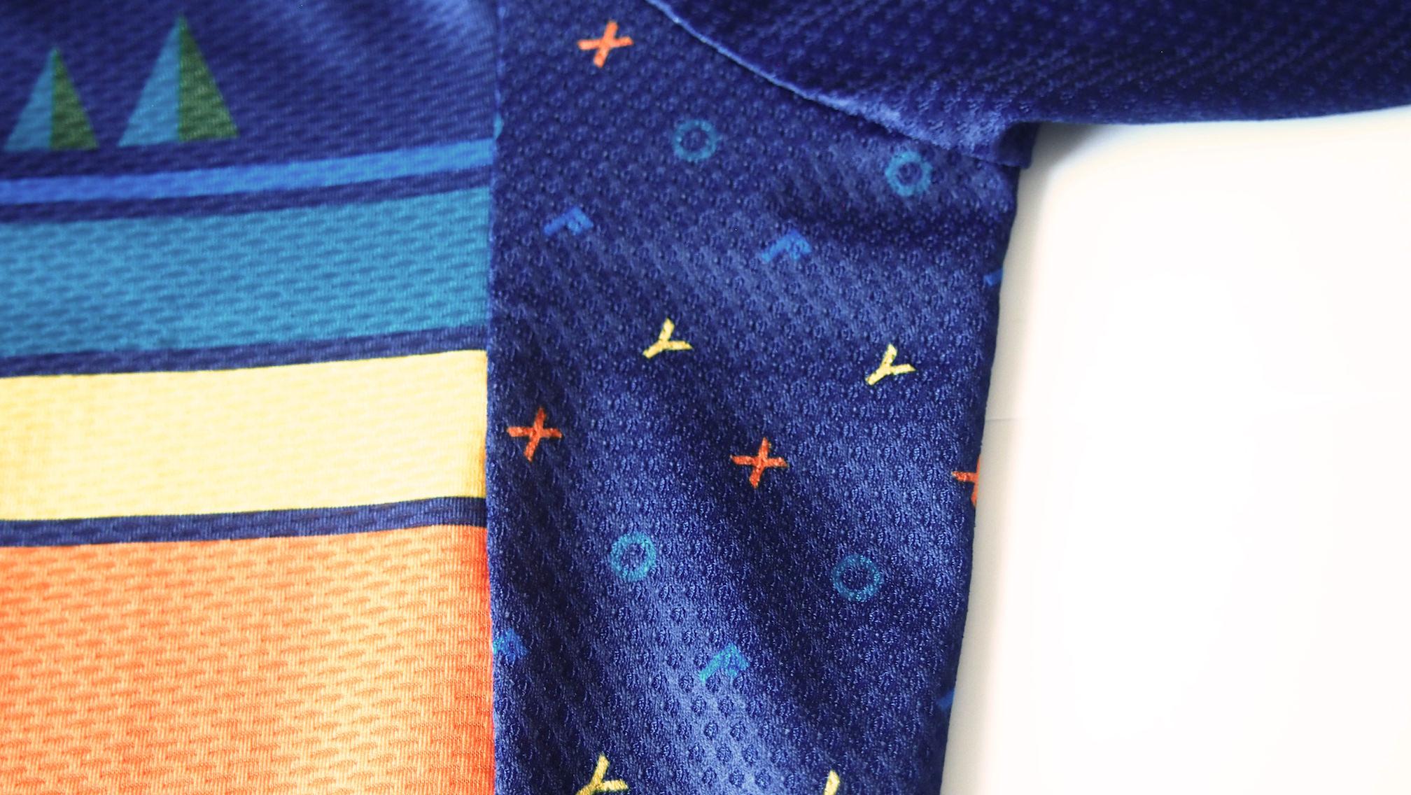 FYXO wildflower jersey 脇のデザイン