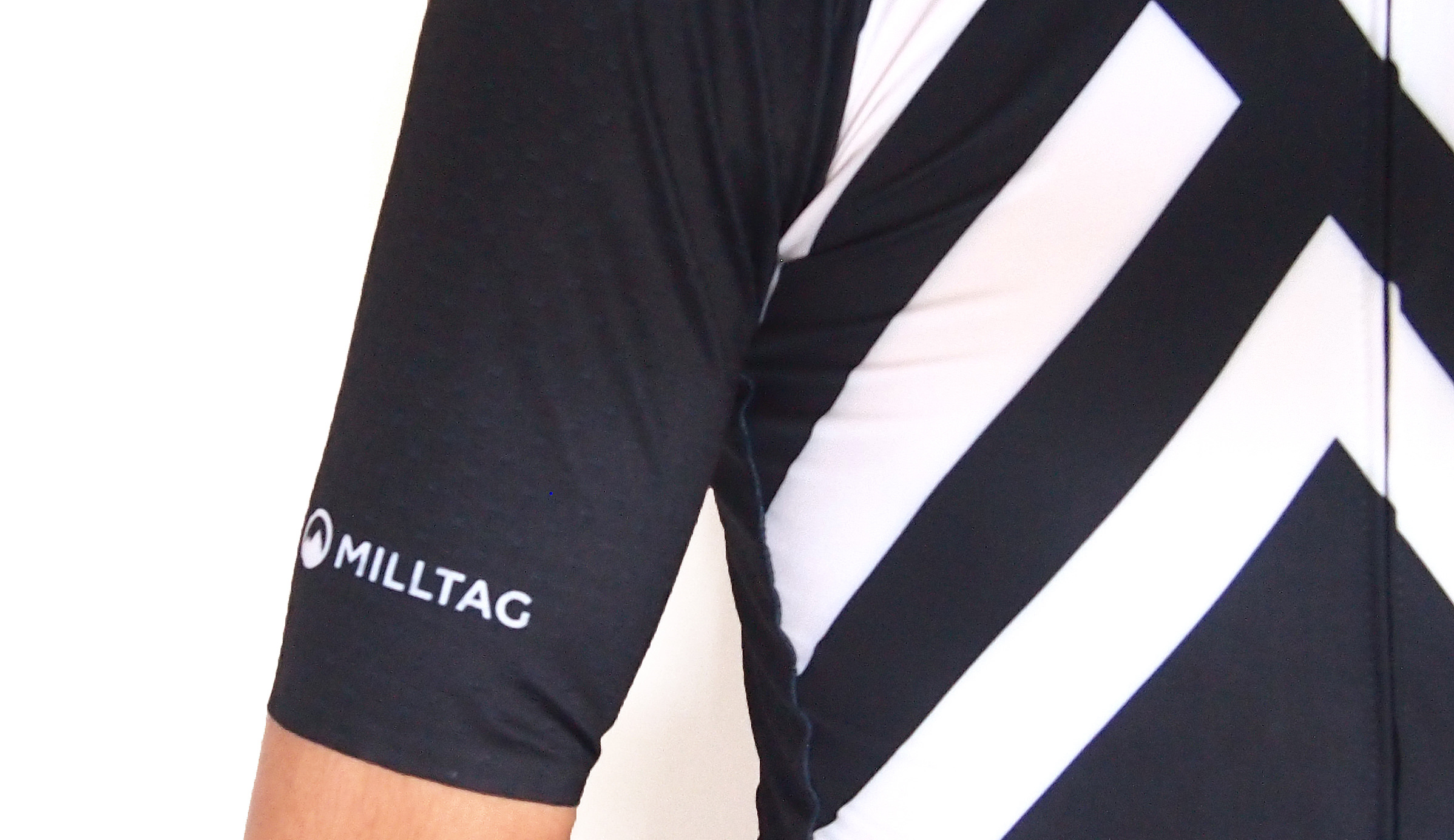 milltag sector men jersey 着用感