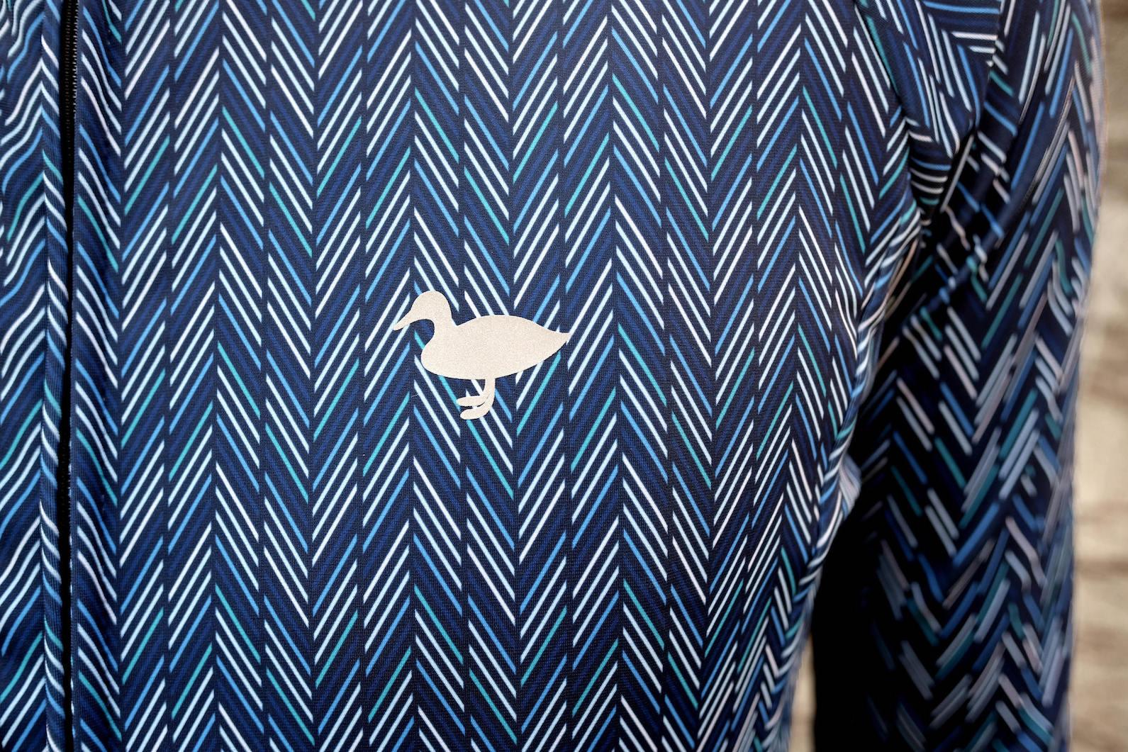blackmore herrinbone 胸のロゴ