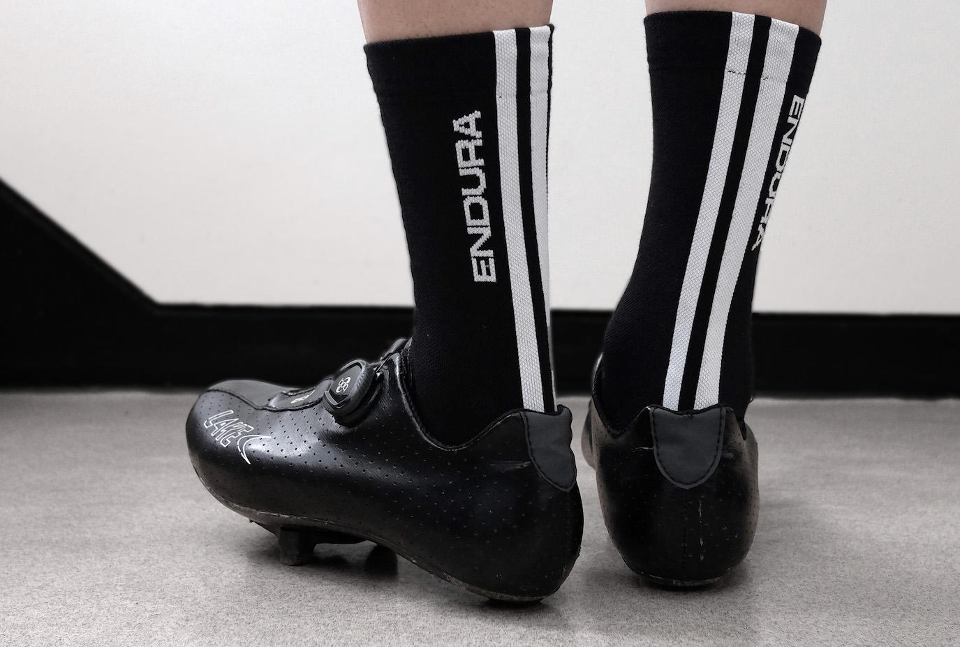 Pro SL PrimaLoft Sock 着用イメージ