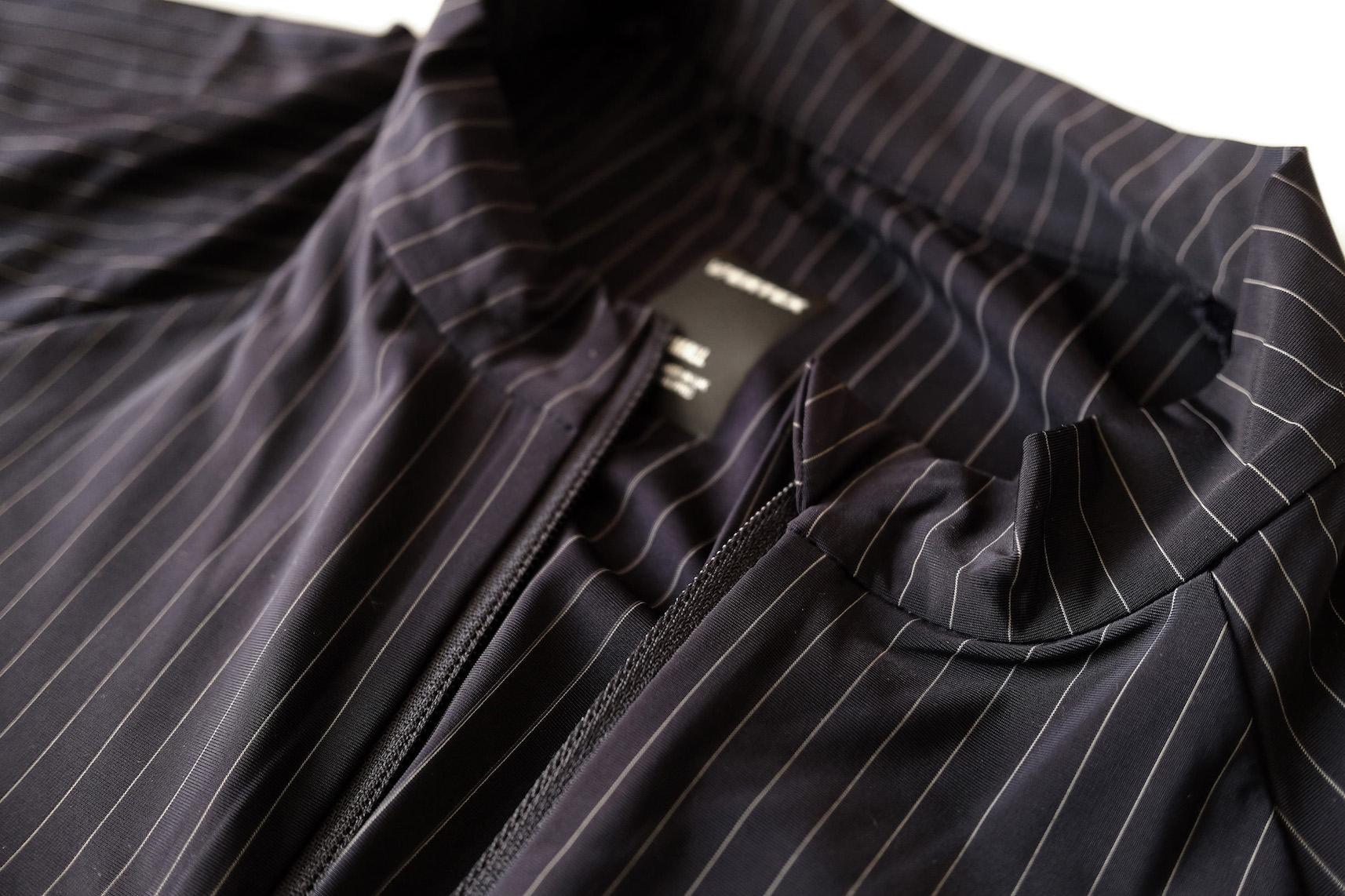 Vertex Pinstripe Jersey 襟周り