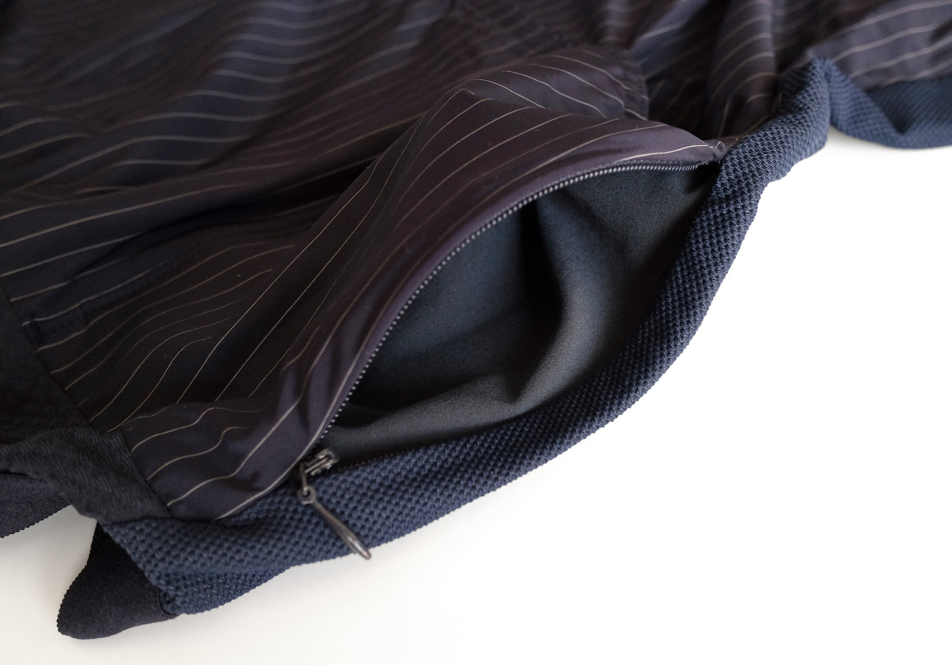 Vertex Pinstripe Jersey バックポケット1