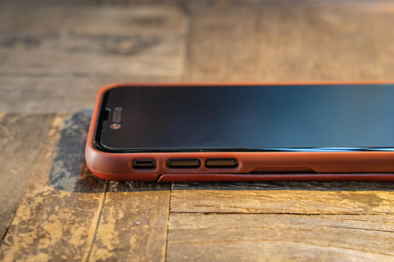 Bellroy Phone Case 装着イメージ