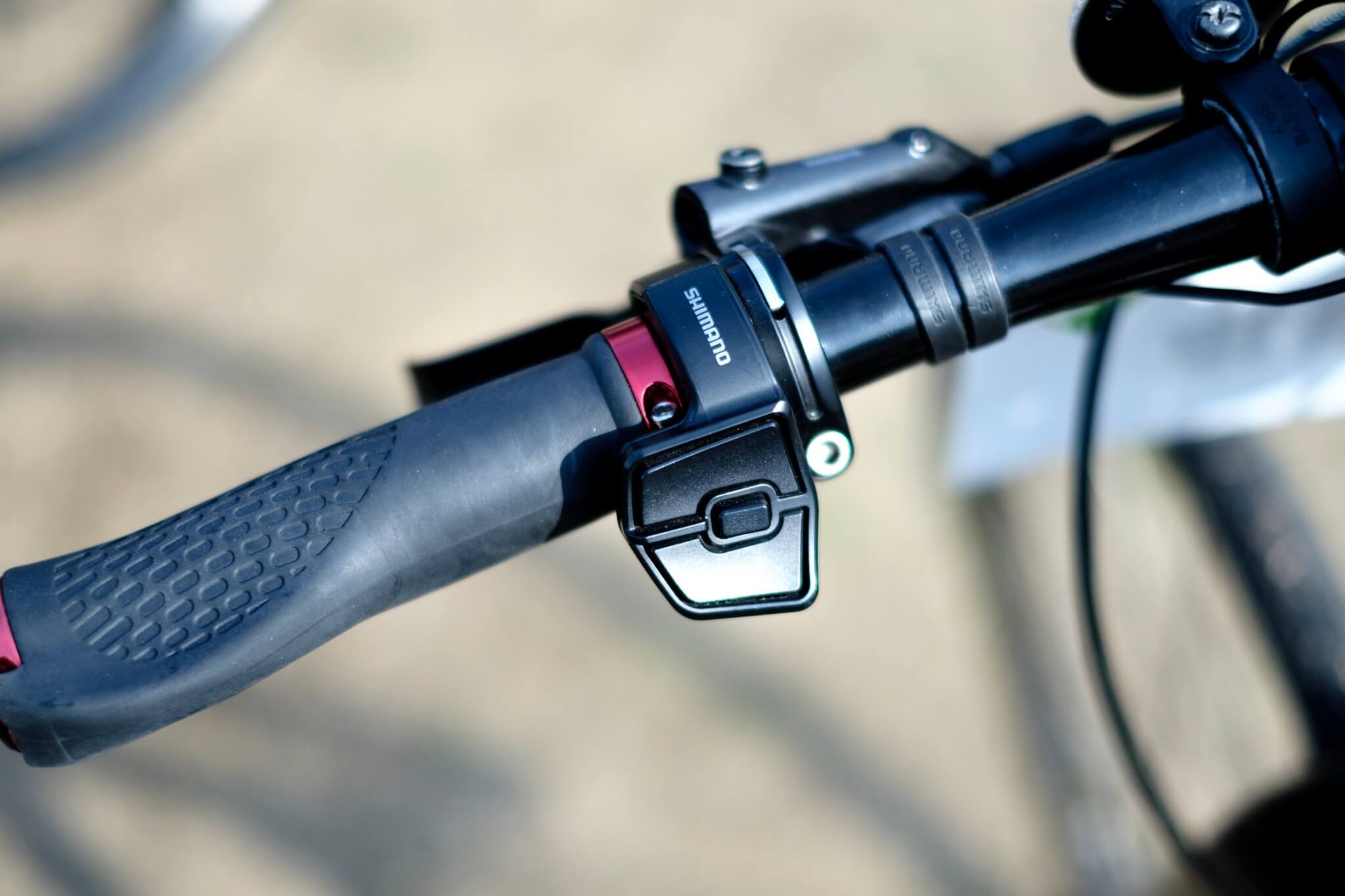 E-スポーツバイクのアシスト調整ボタン